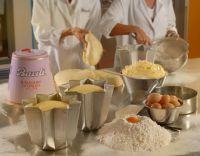 http://www.mezzokilo.it/485/notizie-cucina/dolci-di-natale-i-migliori-modi-in-cui-mangiare-il-panettone-e-il-pandoro.html