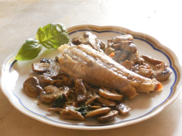 Coda di rospo con champignons