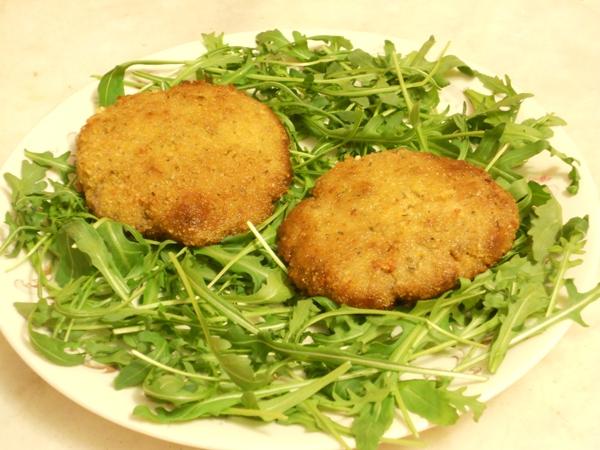 Frittelle dorate di carne salada