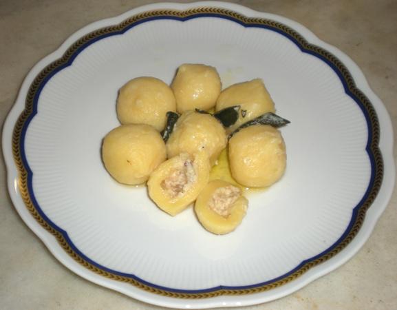 Gnocchi di patate ripieni di speck e brie