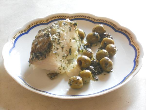 Merluzzo al verde con olive e capperi