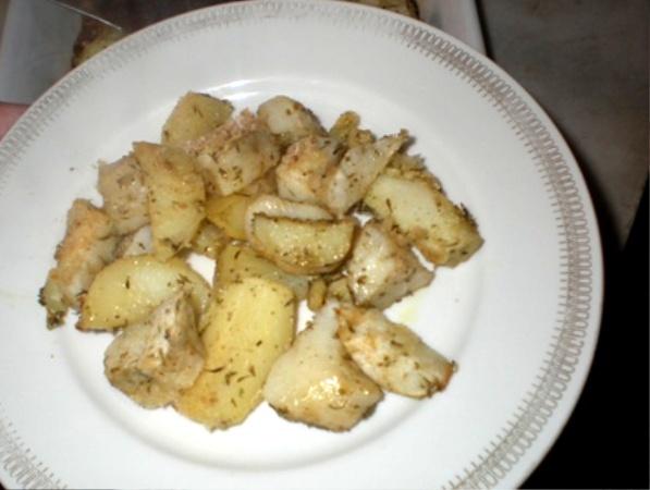 Patate e topinambur al forno con erbe aromatiche