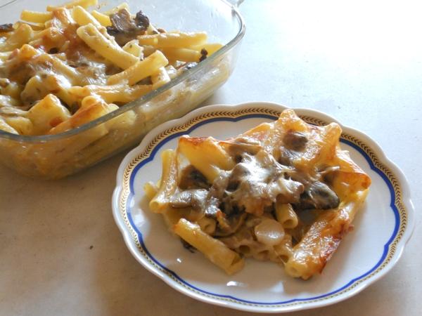 Ziti al forno con funghi e scamorza affumicata