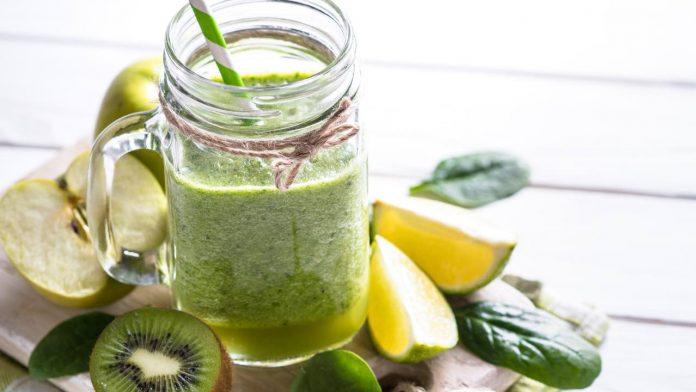 ricetta centrifuga di mele kiwi